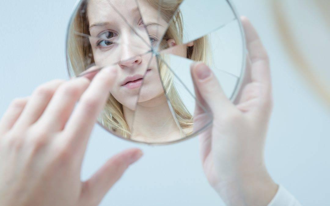 L'autostima non si costruisce in età adolescenziale.