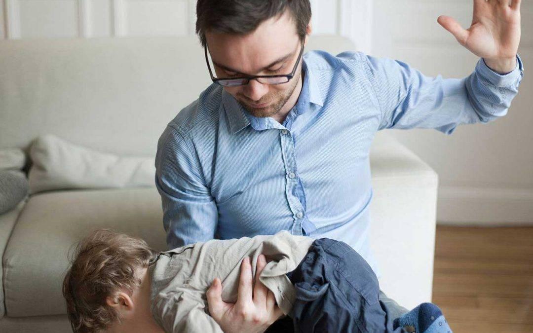 Le sculacciate dei genitori in difficoltà